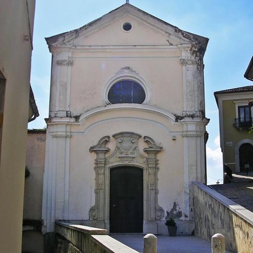 Chiesa parrocchiale S. Nicola di Bari (di origini medievali, fu ricostruita nel sec. XVIII)