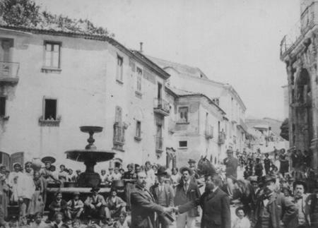 P.zza Umberto I (foto storica)