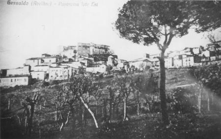 Gesualdo, panorama lato est (foto storica)